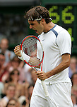 01.07.2005.Tennis All England Championships.Wimbledon..Roger Federer (SUI) jubelt nach seinem Finaleinzug.