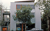 Koning Eizenberg: Office Building at 1454 25th St., Santa Monica. 1999. In addition to their own offices, artist's studios.  Photo '04.