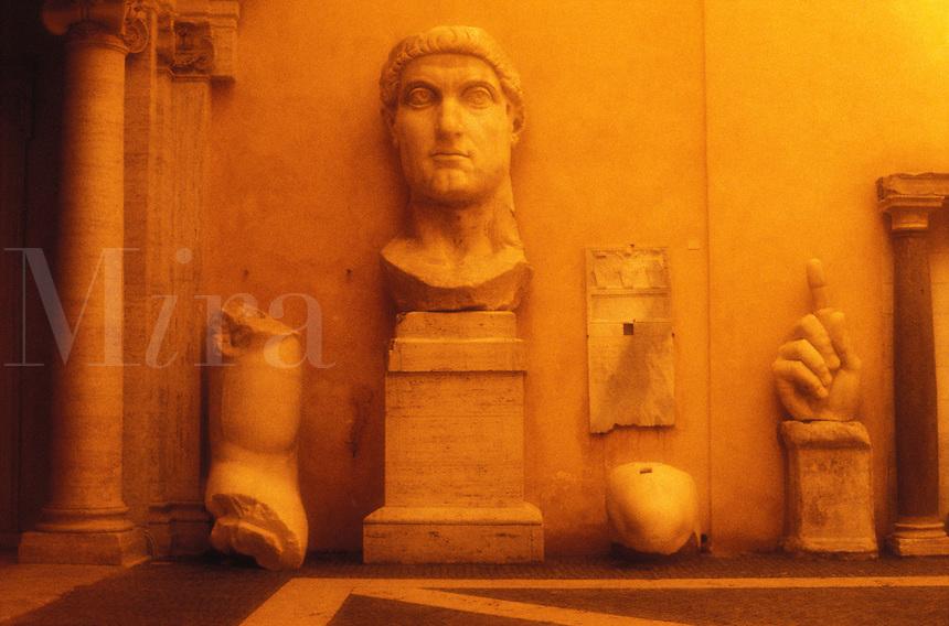 Italy, Rome, Capitoline Museums, Palazzo dei Conservatori,  Statue of Constantine II
