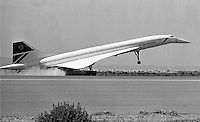 British Airways Concorde lands at Oakland International Airport, April 3,1989 (photo/Ron Riesterer)