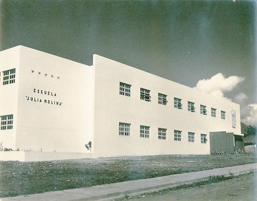 Escuela Julia Molina. Plan Bienal de Construcciones 1950-1952. © AGN.