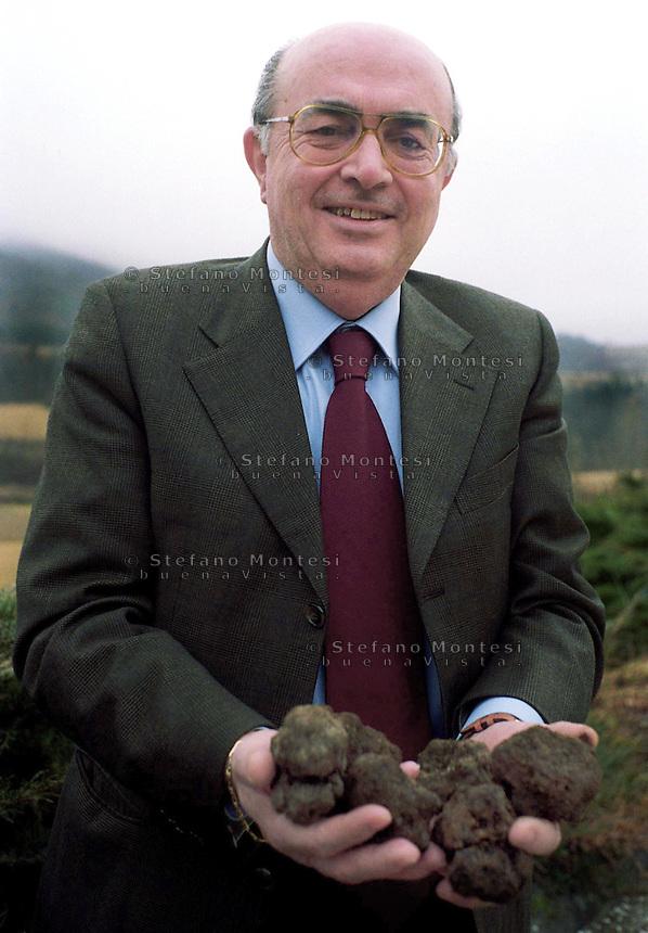 "February 2002.Urbani Truffles  .Bruno Urban, President of the ""Urbani Truffles"".Il Presidente della ""Urbani Tartufi"", Bruno Urbani.http://www.urbanitartufi.it/."