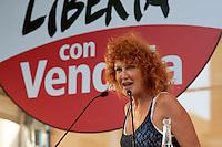 Roma 1 Ottobre 2011.Ora tocca a noi.Manifestazione nazionale di Sinistra, Ecologia, Libertà, a Piazza Navona..L'intervento della cantante Fiorella Mannoia.