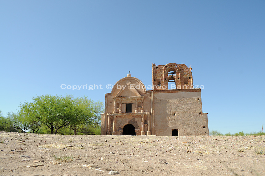 "Tumacacori, Arizona - The Mission San Jose de Tumacacori was established in January 1691 by Jesuit Father Eusebio Francisco Kino. The mission is located on 310 acres at the town of Tumacacori, Arizona, 50 miles south of the City of Tucson, Arizona, and 18 miles north of the international border with Mexico at Nogales, Arizona/Sonora. The mission is part of the Tumacacori National Historical Park. According to experts on the subject, it is probable that the name ""Tumacacori"" is derived from two O'odham words, ""chu-uma"" and ""kakul,"" which refer to a flat, rocky place. Father Eusebio Kino established this mission in January 1691, which makes it the oldest mission site in Arizona. Photo by Eduardo Barraza © 2011"