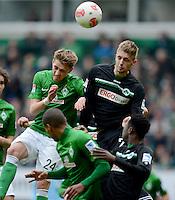 FUSSBALL   1. BUNDESLIGA   SAISON 2012/2013    26. SPIELTAG SV Werder Bremen - Greuther Fuerth                        16.03.2013 Nils Petersen (li, SV Werder Bremen) gegen Lasse Sobiech (re, Greuther Fuerth)