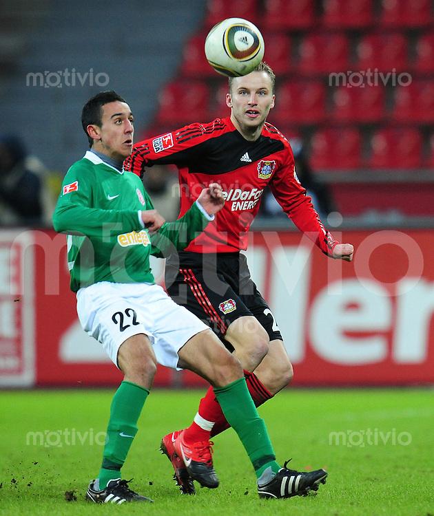 FUSSBALL  1. BUNDESLIGA   SAISON 2009/2010  18. SPIELTAG Bayer 04 Leverkusen - FSV Mainz 05                     16.10.2010   Chadli AMRI (li, Mainz) gegen Michal KADELC (re, Leverkusen)