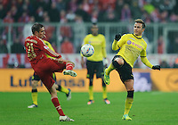 Fussball Bundesliga Saison 2011/2012 13. Spieltag FC Bayern Muenchen - Borussia Dortmund V.l.: Philipp LAHM (FCB), Mario GOETZE (BVB).