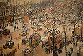 National Gallery, Washington DC. Painting of a street scene by Pissaro