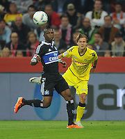 Fussball 1. Bundesliga :  Saison   2011/2012   Liga Total Cup  20.07.2011 Borussia Dortmund - Hamburger SV Eljero Elia (li, Hamburger SV) gegen Chris Loewe (re, Borussia Dortmund)
