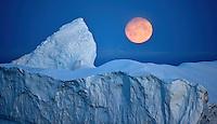 saqqaq; Greenland; discobay; iceberg; moon
