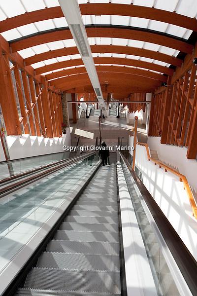 Le scale mobili di potenza giovanni marino photojournalist - Mobili santa lucia opinioni ...