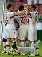 Fussball Europa League Play Offs:  Saison   2012/2013     VfB Stuttgart - Dynamo Moskau  22.08.2012 Jubel nach dem Tor William Kvist, Tim Hoogland mit Vedad Ibisevic (v. li., VfB Stuttgart)