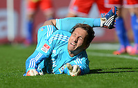 FUSSBALL   1. BUNDESLIGA   SAISON 2012/2013   2. Spieltag SV Werder Bremen - Hamburger SV                     01.09.2012         Rene Adler (Hamburger SV) kann den zweiten Elfmeter nicht parieren.