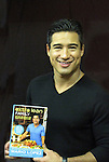 05-07-11 Mario Lopez - Extra Lean Family book signing