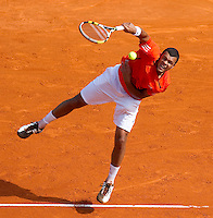 Jo-Wilfred TSONGA (FRA) against Juan Carlos FERRERO (ESP) in the third round. Juan Carlos Ferrero beat Jo-Wilfred Tsonga 6-1 3-6 7-5..International Tennis - 2010 ATP World Tour - Masters 1000 - Monte-Carlo Rolex Masters - Monte-Carlo Country Club - Alpes-Maritimes - France..© AMN Images, Barry House, 20-22 Worple Road, London, SW19 4DH.Tel -  + 44 20 8947 0100.Fax - + 44 20 8947 0117