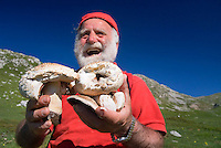 Barrea, Abruzzo, Italy, June 2008. While hiking in the mountains, Pasetta finds wild mushrooms and mountains spinach, that will be cooked into a copious meal. The owner of camping La Genziana, is the grandson of the last wolf hunter of the Abruzzo mountains. Nowadays the wolfs are protected by the national parks. Photo by Frits Meyst/Adventure4ever.com
