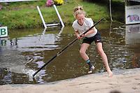 FIERLJEPPEN: GRIJPSKERK: 05-09-2015, NK Fierljeppen voor jeugd, winnares Suzanne Mulder - Vlist (meisjes tot 10 jaar), ©foto Martin de Jong
