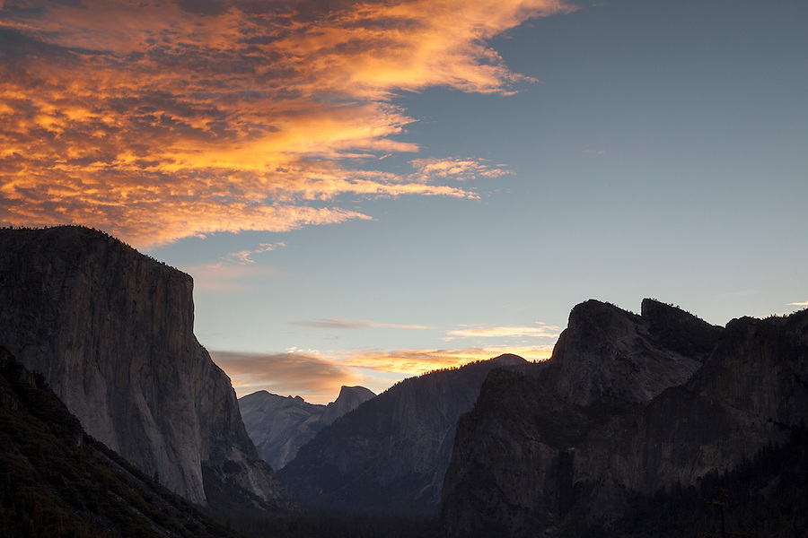 Yosemite Valley at sunrise, Yosemite National Park, California, USA