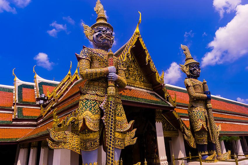 Guardian statues, Grand Palace, Bangkok, Thailand   Blaine ...
