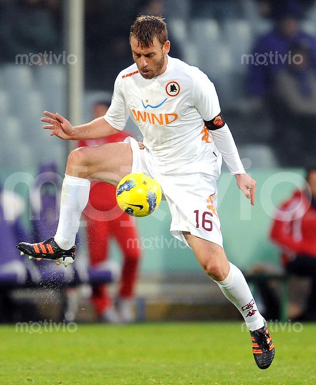 FUSSBALL INTERNATIONAL   SERIE A   SAISON 2011/2012    AC Florenz - AS Rom   04.12.2011 Daniele De Rossi (AS Rom)