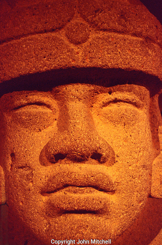 Olmec zoomorphic jaguar sculpture, Mexico