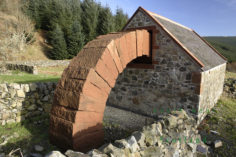 Andy Goldsworthy Striding Arches sculpture Cairnhead ...