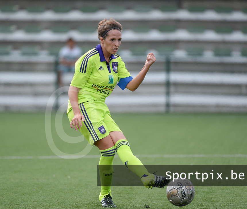 20150808 - ZULTE , BELGIUM : Anderlecht's Yasmina Benabid  pictured during a friendly soccer match between the women teams of Zulte-Waregem and RSC Anderlecht  , during the preparations for the 2015-2016 SUPERLEAGUE season, Saturday 8 August 2015 . PHOTO DAVID CATRY