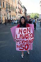 Roms 9 Aprile 2011.Manifestazione dei lavoratori precari per chiedere 'Diritti, welfare, maternità, pensione per tutti'..Giornalista freelance