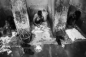 Gatapar (Chhattisgarh) 20.02.2010 India.Jeevodaya, The Social and Leprosy Rehabilitation Centre, established in 1969 by a Polish missionary and medical doctor, father Adam Wisniewski. At present, more than 400 children coming from families suffering from leprosy attend Jeevodaya school and stay in the boarding houses. A day when children wash dresses.photo Maciej Jeziorek/Napo Images..Gatapar (stan Chhattisgarh) 20.02.2010 Indie.Jeevodaya - Osrodek Rehabilitacji Tredowatych zalozony w 1969 roku przez polskiego Pallotyna - Adama Wisniewskiego. Poza stale mieszkajacymi osobami, w szkole i internacie uczy sie i przebywa ponad 400 dzieci z roznych kolonii dla tredowatych. nz. Dzien prania ubran .fot. Maciej Jeziorek/ Napo Images