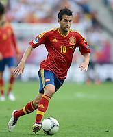 FUSSBALL  EUROPAMEISTERSCHAFT 2012   VORRUNDE Spanien - Italien            10.06.2012 Cesc Fabregas (Spanien) Einzelaktion am Ball