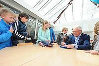 ALGEMEEN: JOURE: 08-04-2016, Westermarskoalle officiële opening, Foppe de Haan doet openingshandeling, ©foto Martin de Jong