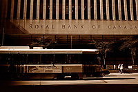 A tramway pass in front of the Royal Bank of Canada building on King Street West in downtown Toronto, April 20, 2007<br /> <br />     photo by Pierre Roussel - Images Distribution