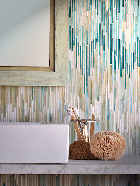 Loom shown in .45cm jewel glass stalks in Turquoise, Tanzanite, Aquamarine, Quartz and Agate.