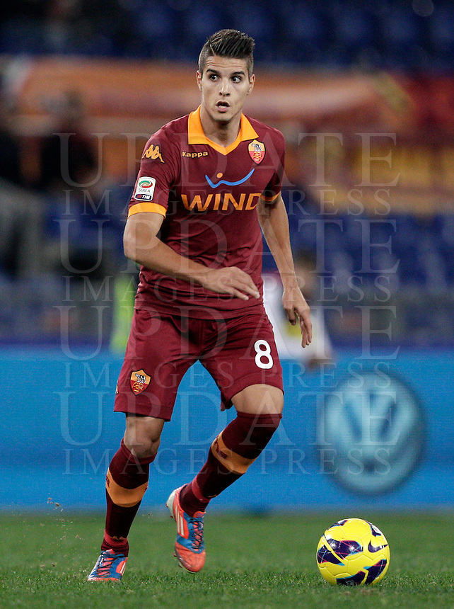 Calcio, Serie A: AS Roma vs Torino. Roma, stadio Olimpico, 19 novembre 2012..AS Roma forward Erik Lamela, of Argentina, in action during the Italian Serie A football match between AS Roma and Torino at Rome's Olympic stadium, 19 November 2012..UPDATE IMAGES PRESS/Riccardo De Luca