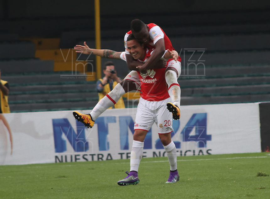BOGOTÁ -COLOMBIA-02-ABRIL-2016.Luis Seijas de Independiente Santa Fe celebra su gol contra  Patriotas durante partido por la fecha 11 de Liga Águila I 2016 jugado en el estadio Nemesio Camacho El Campin de Bogotá./ Luis Seijas  of Independiente Santa Fe celebrates his goal against  of  Patriotas  during the match for the date 11 of the Aguila League I 2016 played at Nemesio Camacho El Campin stadium in Bogota. Photo: VizzorImage / Felipe Caicedo / Staff