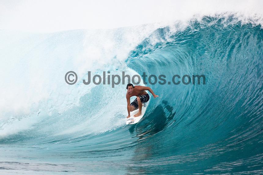 JORDY SMITH (ZAF)  surfing at Teahupoo, Tahiti, (Thursday May 7 2009.) Photo: joliphotos.com