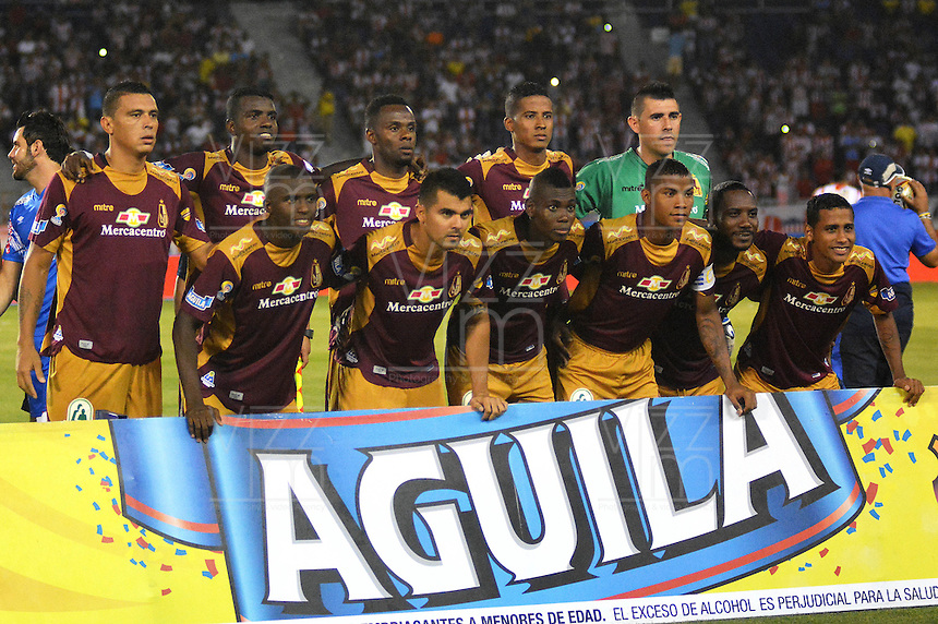 BARRANQUILLA- COLOMBIA -13 -03-2016: Los jugadores de Deportes Tolima, posan para una foto durante partido entre Atletico Junior y Deportes Tolima, de la fecha 9 de la Liga Aguila I-2016, jugado en el estadio Metropolitano Roberto Melendez de la ciudad de Barranquilla.  / The players of Deportes Tolima, pose for a photo,  during a match between Atletico Junior and Deportes Tolima, for date 9 of the Liga Aguila I-2016 at the Metropolitano Roberto Melendez Stadium in Barranquilla city, Photo: VizzorImage  / Alfonso Cervantes / Cont.