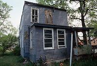 1995 April ..Conservation.Lamberts Point...Acquisitions.Rear Exterior.1247 West 37th Street...NEG#.NRHA#..CONSERV: Lambert2 3:18