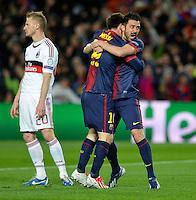 FUSSBALL  CHAMPIONS LEAGUE  ACHTELFINALE  RUECKSPIEL  2012/2013      FC Barcelona  - AC Mailand      13.03.2013 JUBEL Barca ;  David Villa (re) umarmen  Torschuetze zum 1-0 Lionel Messi, Ignazio Abate (hinten li, AC Mailand) enttaeuscht
