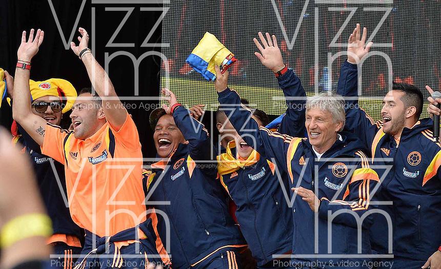 BOGOT&Aacute; - COLOMBIA -26-12-2012. Foto: Santiago Cortes / Archivolatino<br /> Los integrantes de la selecci&oacute;n Colombia de f&uacute;tbol tuvieron un multitudinario recibimiento en el parque Sim&oacute;n Bolivar de Bogot&aacute;, hoy 6 de julio de 2014 despu&eacute;s de su decorosa participaci&oacute;n en la Copa Mundial de la FIFA Brasil 2014./ The members of the Colombian Soccer team had a massive greet at the Simon Bolivar Park Bogota, today July 6, 2014 after their decorous participation in the FIFA World Cup Brazil 2014. Photo: Santiago Cortes / Archivo Latino<br /> VizzorImage PROVIDES THE ACCESS TO THIS PHOTOGRAPH ONLY AS A PRESS AND EDITORIAL SERVICE IN COLOMBIA AND NOT IS THE OWNER OF COPYRIGHT; ANOTHER USE IS REPONSABILITY OF THE END USER. NO SALES, NO MERCHANDASING. ALL COPYRIGHT IS ARCHIVOLATINO