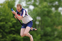 FIERLJEPPEN: WINSUM: 08-06-2013, Junioren A 1e klasse, Thijs Hiemstra (#73), ©foto Martin de Jong
