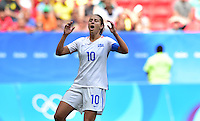 Brasilia, Brazil - Friday, August 12, 2016: The USWNT and Sweden are all even 1-1 in second half action during Quarterfinal play during the 2016 Olympics at Mane Garrincha Stadium.