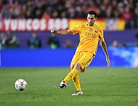 FUSSBALL CHAMPIONS LEAGUE  SAISON 2015/2016 VIERTELFINAL RUECKSPIEL Atletico Madrid - FC Barcelona       13.04.2016 Sergio Busquets (Barca) am Ball