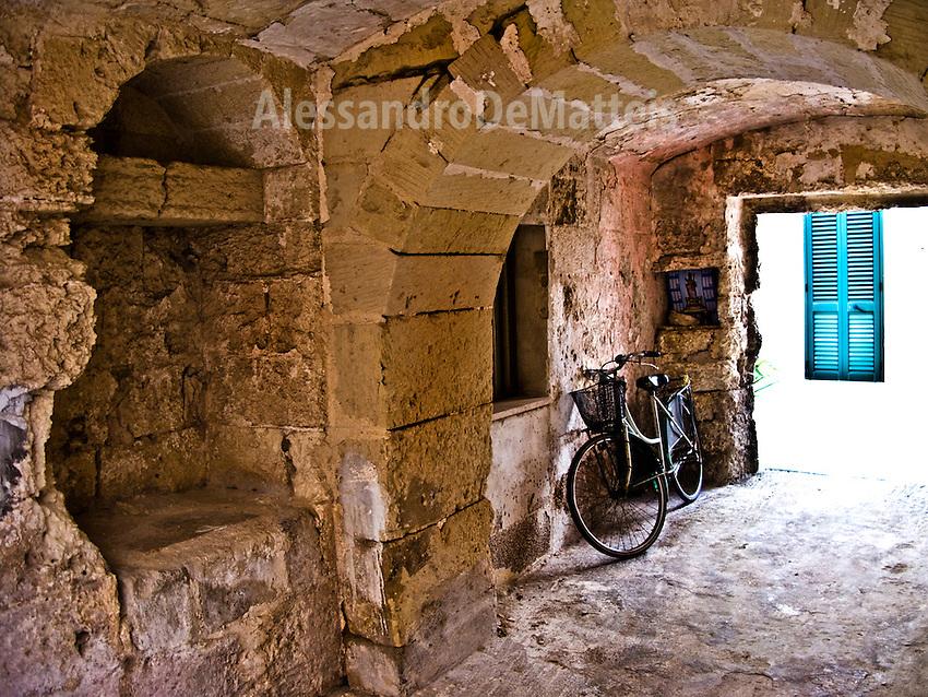 Botrugno (LE) - Salento - Case a corte: tipica struttura abitativa salentina
