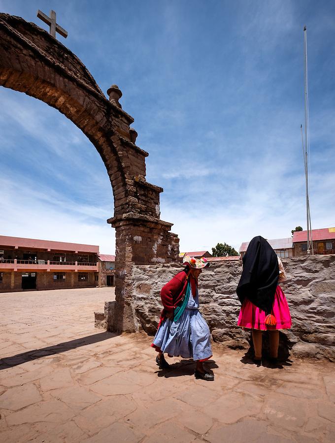 TAQUILE, PERU - CIRCA OCTOBER 2015: Woman in the Island of Taquile in Lake Titicaca.