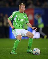 FUSSBALL   1. BUNDESLIGA   SAISON 2011/2012    10. SPIELTAG Hamburger SV - VfL Wolfsburg                                22.10.2011 Patrick OCHS (VfL Wolfsburg) Einzelaktion am Ball