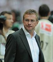 FUSSBALL   1. BUNDESLIGA  SAISON 2011/2012   1. Spieltag     06.08.2011 VfB Stuttgart - FC Schalke 04               Trainer Ralf Rangnick (FC Schalke 04) nachdenklich