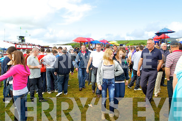 Huge crowds at the Dingle races on Sunday..