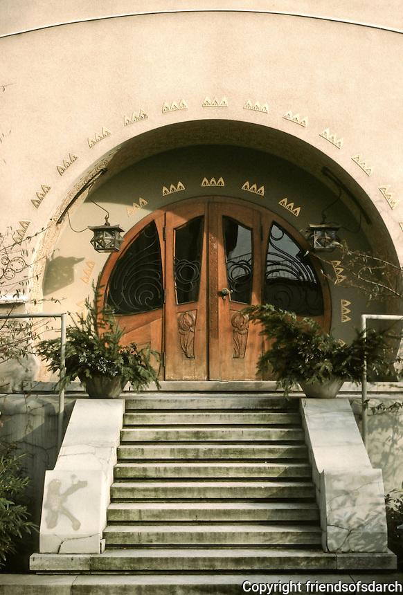 Josef Maria Olbrich: Gluckert House, Darmstadt, 1901. Entrance.