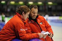 SCHAATSEN: HEERENVEEN: 26-12-2013, IJsstadion Thialf, KNSB Kwalificatie Toernooi (KKT), Peter Kolder (trainer/coach Team Corendon), Jan van Veen (trainer/coach Team Corendon), ©foto Martin de Jong